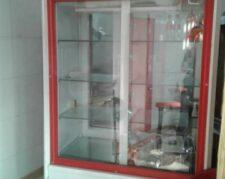 فروش یخچال مرغی فوقالعاده تمیز و سالم تضمینی بهمراه وسایل فست فودی