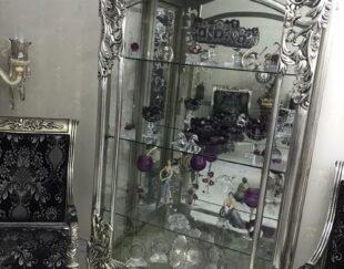 بوفه شیشه و آینه …روکش نقره کوبی چوب